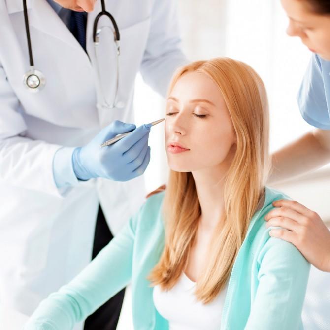 Estetik Ameliyat Öncesi Ön Muayenede Neler Oluyor?