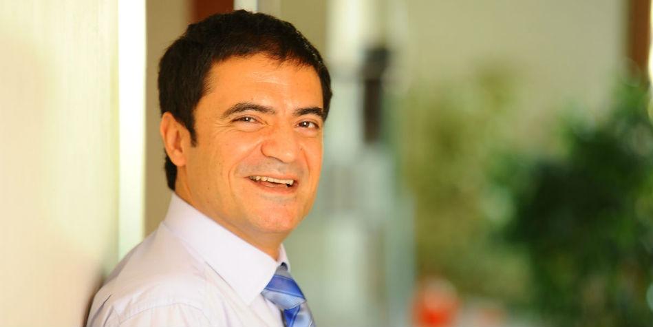 Estetik Cerrahi Uzmanı Doç. Dr. Serkan Yıldırım